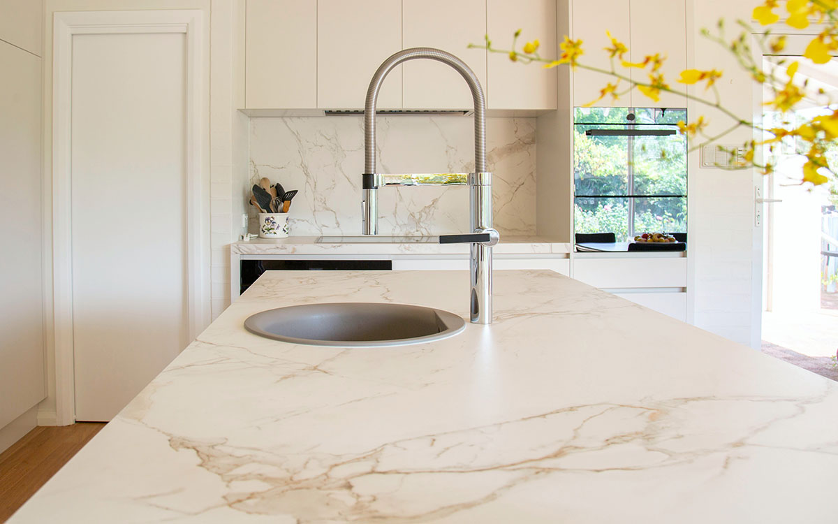 Luxe marble surfaces in kitchen